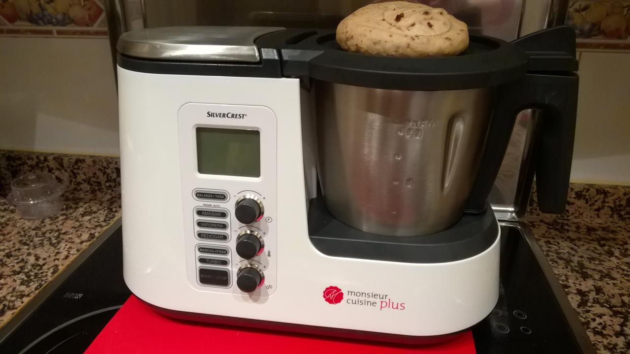 Bollitos de pasas en monsieur cuisine plus la thermomix for Robot de cocina silvercrest