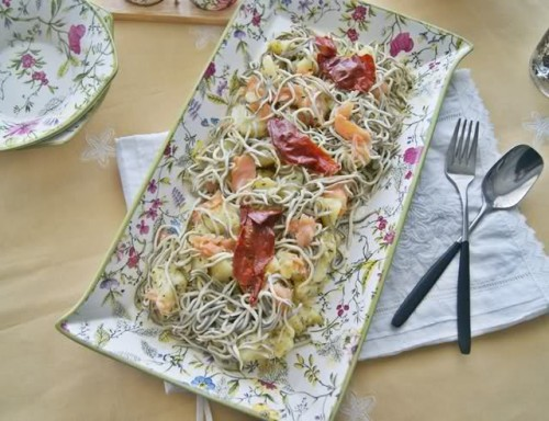 Ensalada de Patata, Salmón y Gulas por Mendia