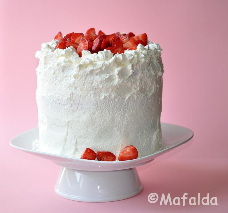 Tarta de Nata y Fresas por Mafalda