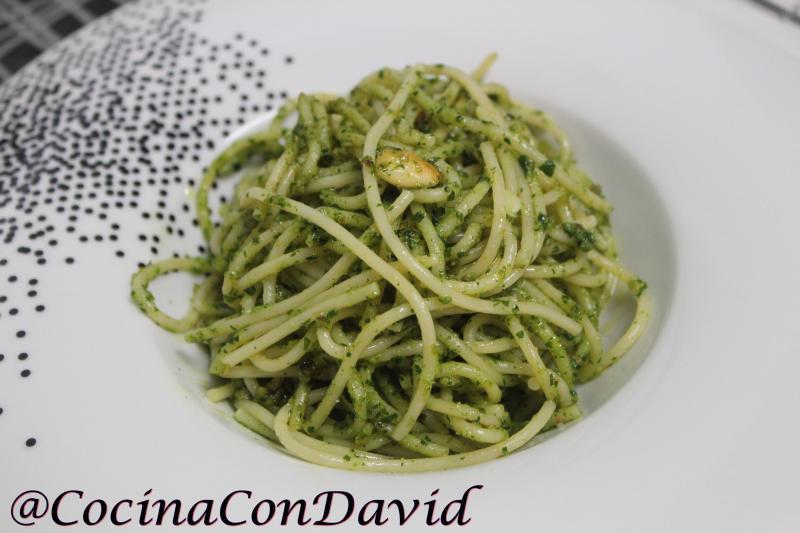 Espagueti al Pesto de Perejil por CocinaconDavid