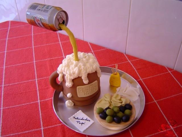 Tarta Jarra de Cerveza con Tapa por Marisalas. Fondant