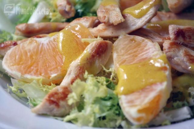 ensalada de naranja y pollo