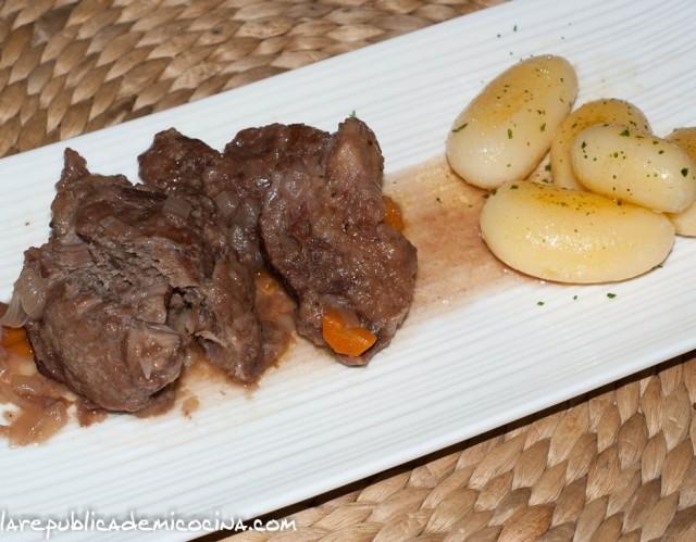 Carrilleras de cerdo al oporto con patatas parisien por Afizionau
