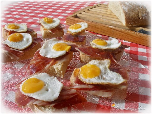 Pan de chapata con salmorejo jamón ibérico de bellota y huevos de codorniz por Mavi
