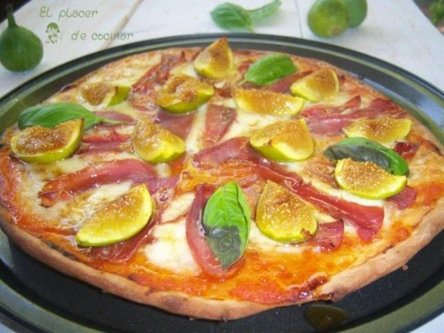 Pizza de jamón serrano, higos y miel por Krismar
