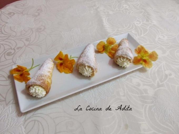 Conos rellenos de nata a la vainilla por La Cocina de Adita