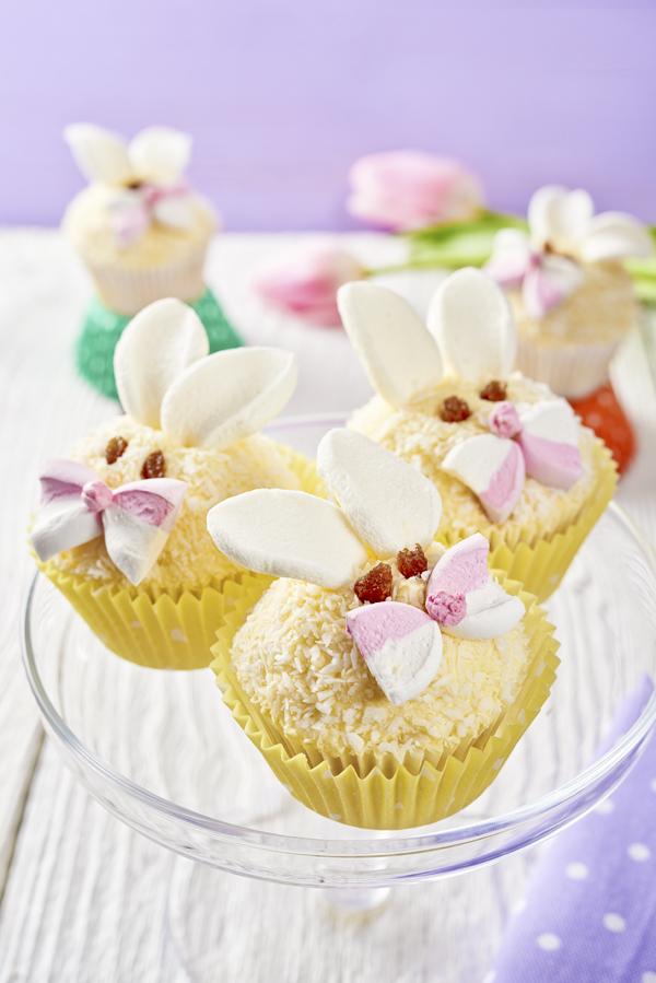 5. Lovely Bunnies cupcakes3 V1 150304