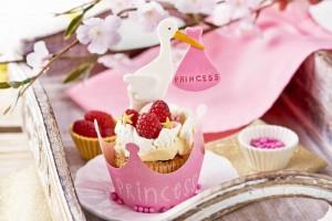 Cupcakes ¡Es una niña! de frambuesa y chocolate blanco