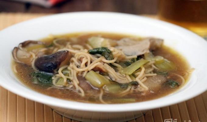 Sopa de setas shiitake, pak choi y fideos – TM5