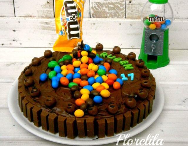 Tarta de cumpleaños M&M`s por Florelila