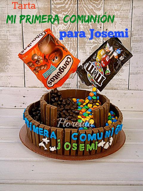 Tarta de comunión, de kit kat, galletas, m&m's y conguitos por Florelila
