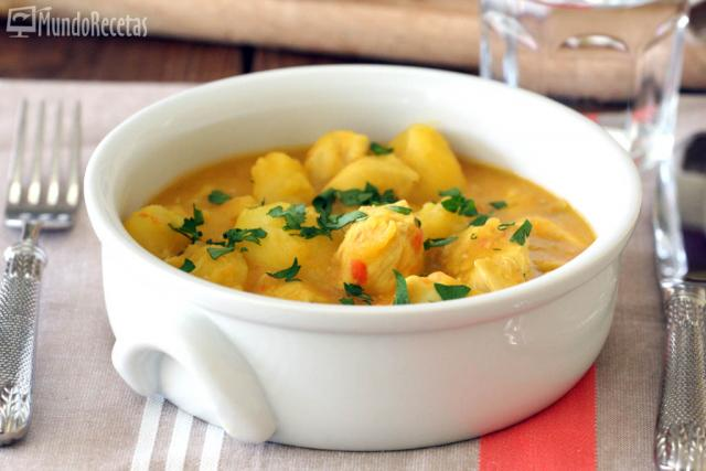 Cazuela de patatas con pollo en Thermomix TM5
