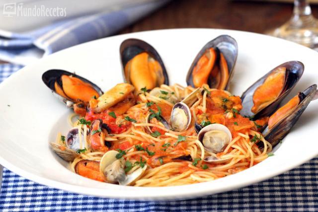 Espaguetis con mejillones y chirlas en TM5