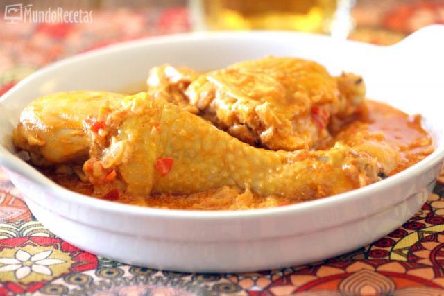 Pollo con pimentón y crema fresca