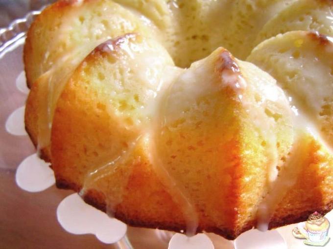 Bizcocho de limón glaseado por Marisalas