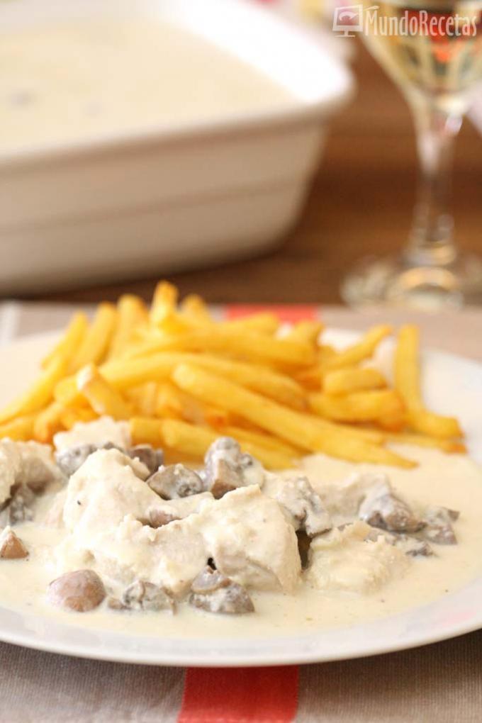 pollo-con-salsa-de-queso-y-campinones-th