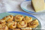 Palmeritas de queso curado y jamón york