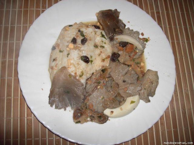Receta de Bacalao con setas y frutos secos