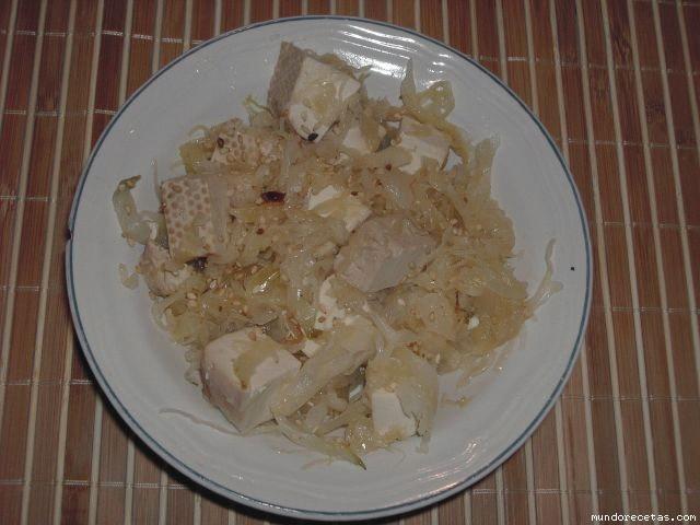 Receta de Salteado de tofu y chucrut