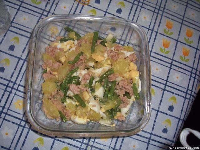 Papas ali as con judias verdes huevo duro y at n - Tiempo coccion judias verdes ...