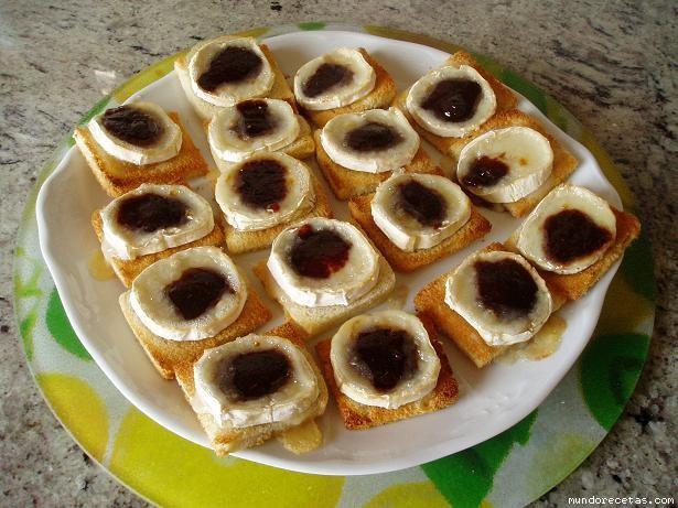 Canapes de queso de cabra con vinagreta de frambuesa for Canape queso de cabra