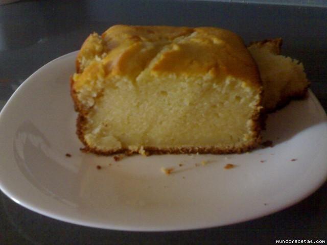 Bizcocho de yogur de limon chef o matic for Bizcocho de yogur de limon esponjoso facil