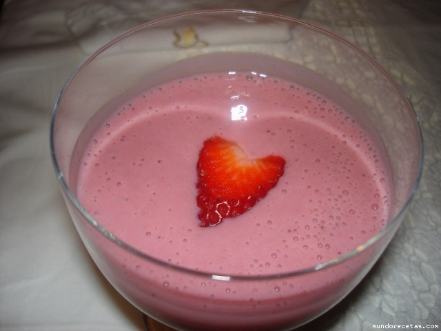 Crema de fresas con leche condensada - Postres con gelatina y leche condensada ...