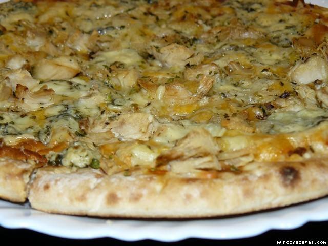 Receta de Pizza de pollo asado y quesos