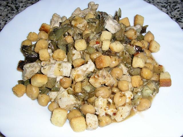 Garbanzos con alcachofas y pollo microondas for Cocinar alcachofas de bote