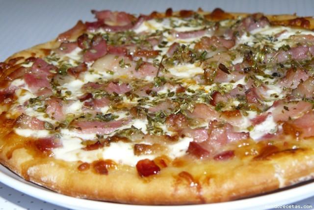 Receta de Pizza rapida carbonara
