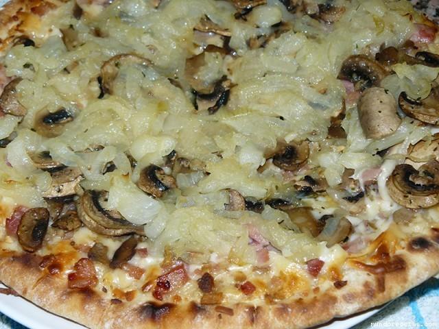 Receta de Pizza de champiñones y cebolla