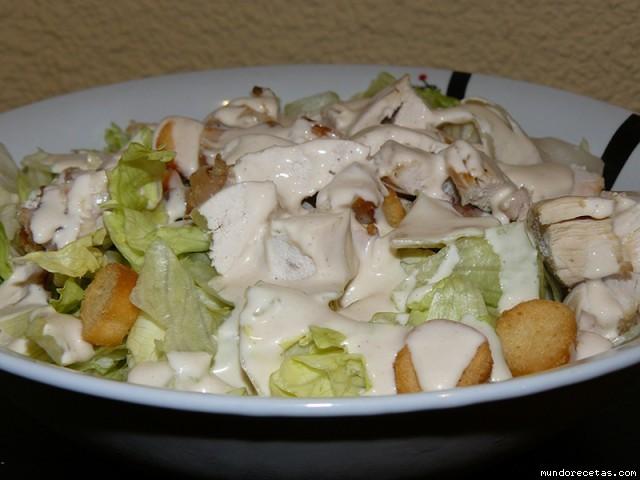 Receta de Ensalada de pollo con salsa cesar