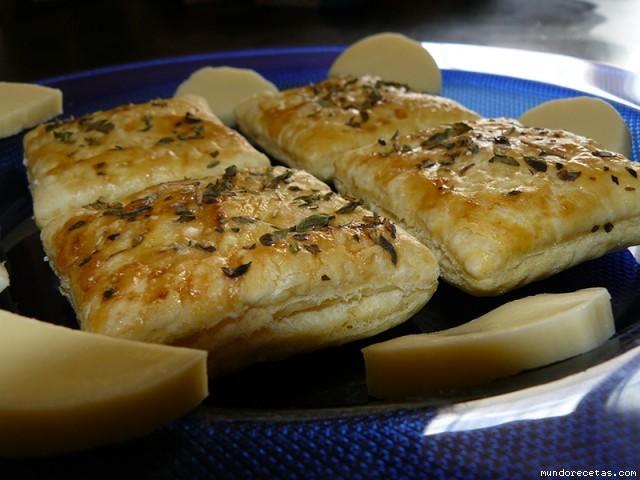 Receta de Galletitas de aperitivo o crackers de hojaldre