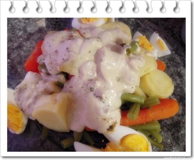 Verduras al Vapor con Salsa de Yogur y Menta