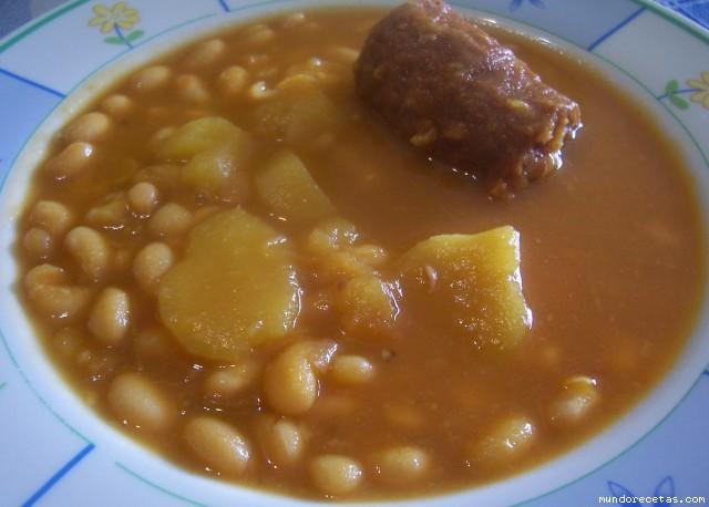 Potaje de jud as blancas con chorizo - Judias con chorizo y patatas ...
