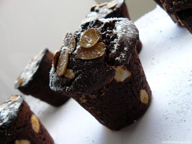 Receta de Macetas de chocolate con almendras