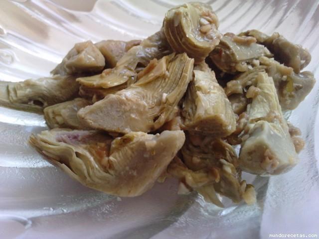 Receta de Alcachofas con salsa de almendras