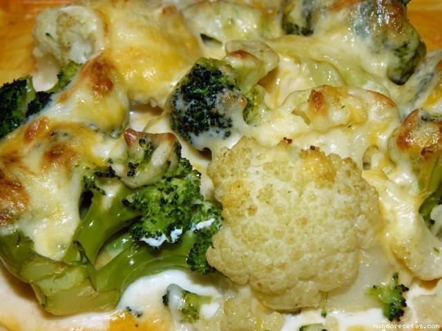 Receta de Brócoli y coliflor al gratén