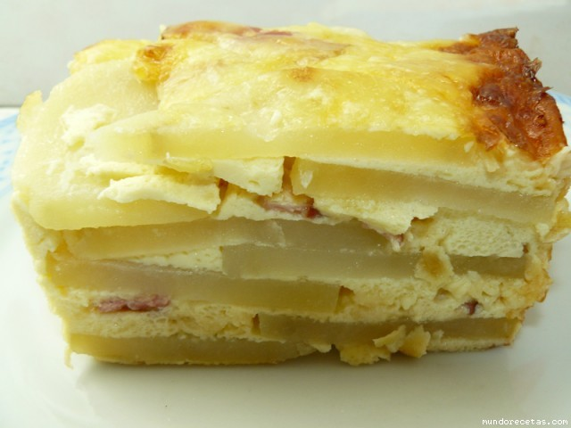 Receta de Pastel de patatas carbonara al gratén